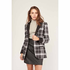 Jackets & Coats all for £5 @Everything 5 Pound